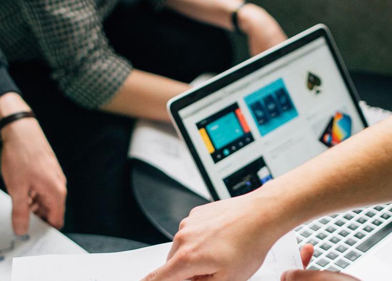 Rentabilité. Rentabilité, expertise, innovation… retrouvez les 7 bonnes raisons de rejoindre le réseau DAL'ALU dès maintenant !